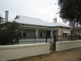Naracoorte Cottages - MacDonnell House - Accommodation Melbourne