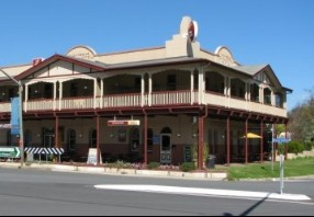 The Royal Hotel Adelong - Accommodation Melbourne