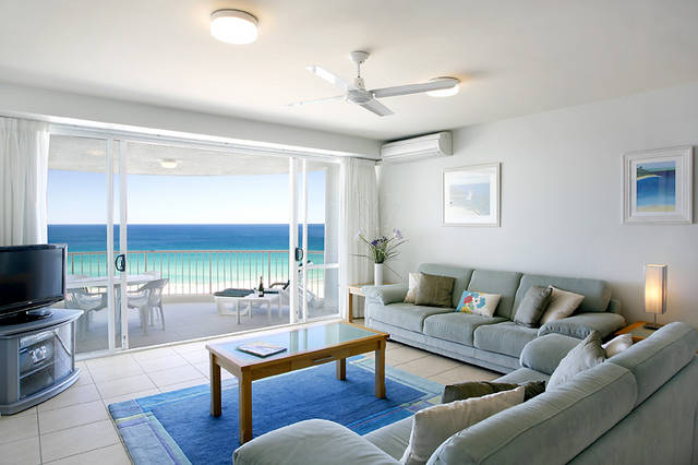 La Mer Sunshine Beachfront Apartments
