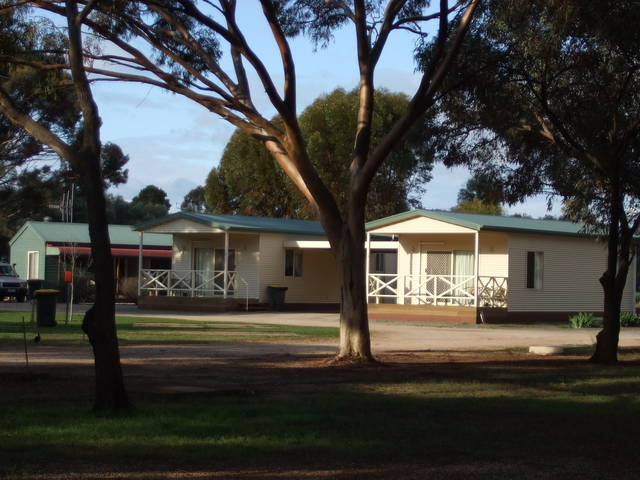 Laura Community Caravan Park - Accommodation Melbourne
