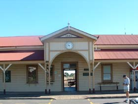 Maryborough Railway Station - Accommodation Melbourne